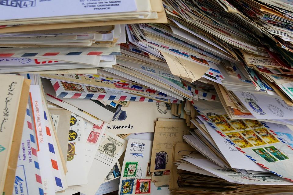 balík dopisů