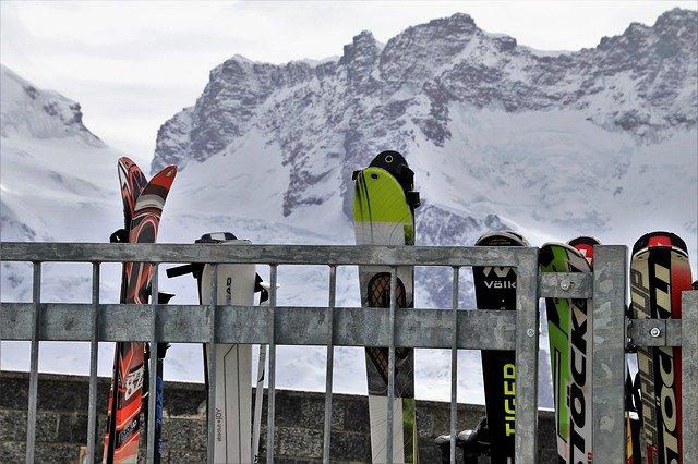 odložené lyže