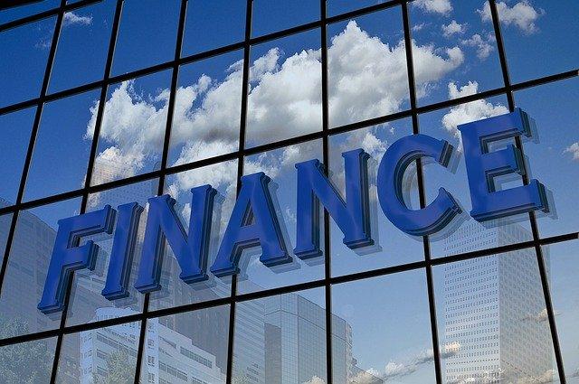 finance na fasádě