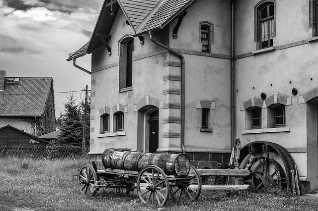 stará fotografie domu